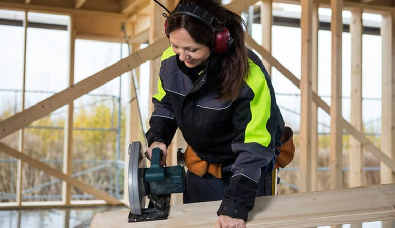 12 Best Power Tools for Women's Hands | Every Women Should Own 2