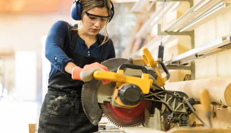Circular Saw with Women