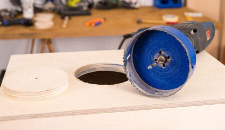 how to use a hole saw without pilot bit