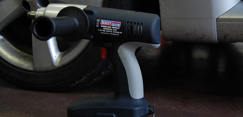 how to use impact wrench on lug nuts